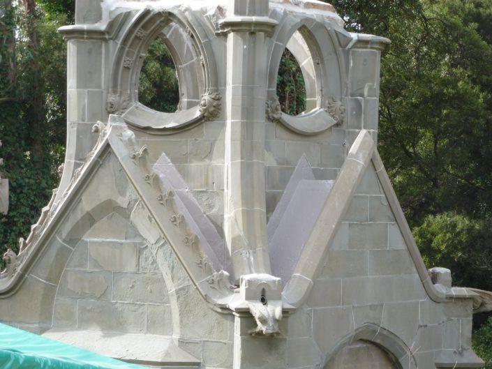 de la Montanya Family Monument